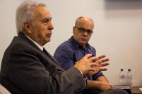 Doutor Paulo Barcellos ao lado de Nilton Santoliin