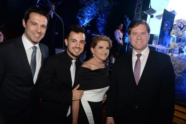 Diretores do FESTURIS e Ministro Marx Beltrão (2)