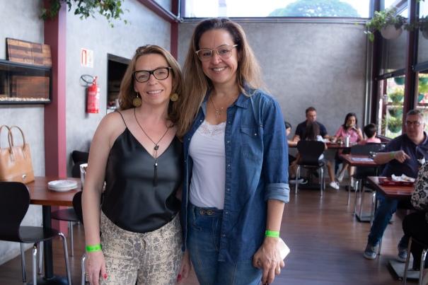 Kátia Dornemann e Denise Dias - Crédito Lenara Petenuzzo
