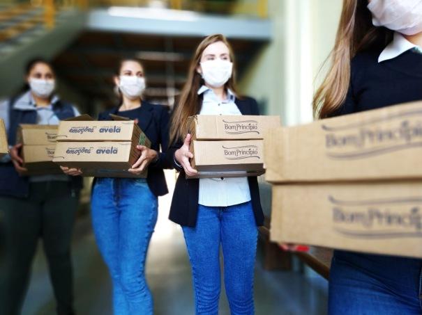 A doação de 14 mil unidades doces direcionada para profissionais de saúde em hospitais da capital e interior partiu de uma decisão coletiva entre os colaboradores d